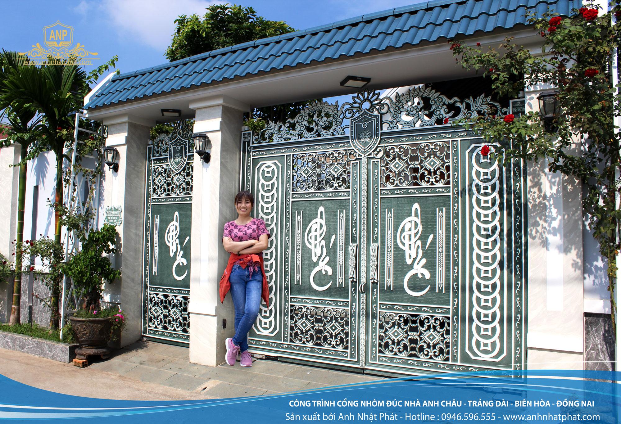 cổng nhôm đúc chữ phúc